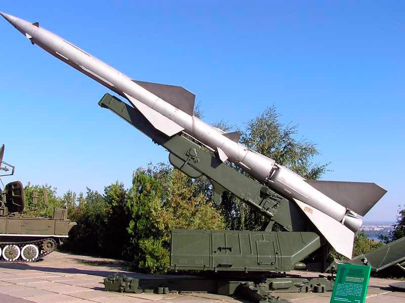 Ракета В-750В на пусковой установке