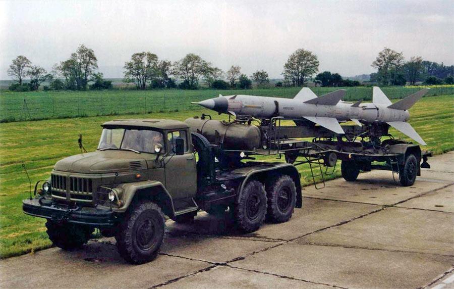 Ракета В-750В на транспортной машине
