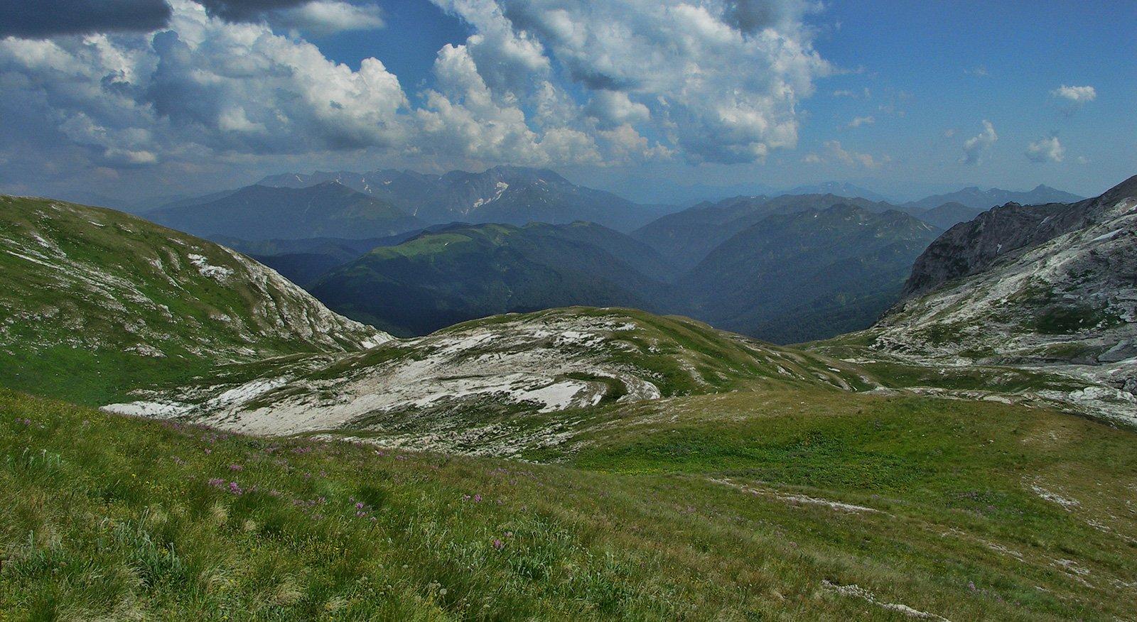 Альпийские луга у хребта «Каменное море»
