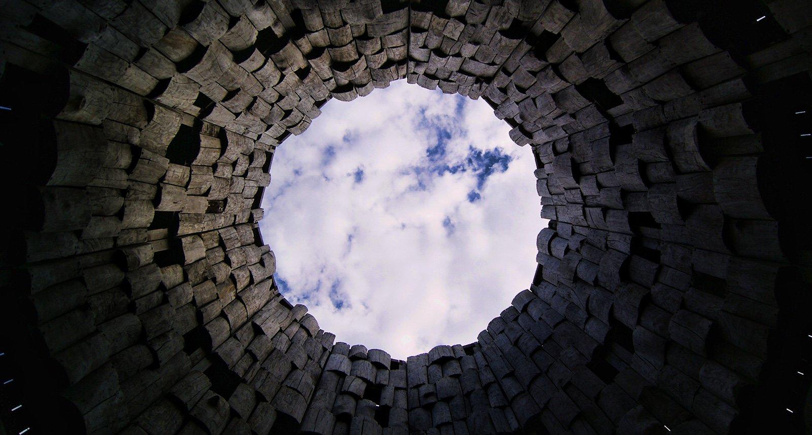 """внутри одного из объектов """"Вселенского разума"""""""