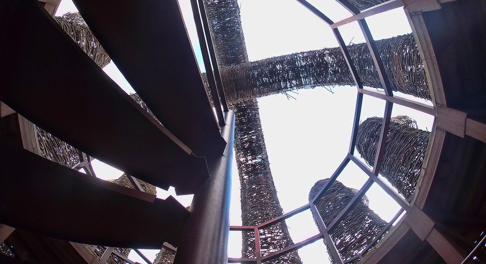 Лестница на вершину Бобура