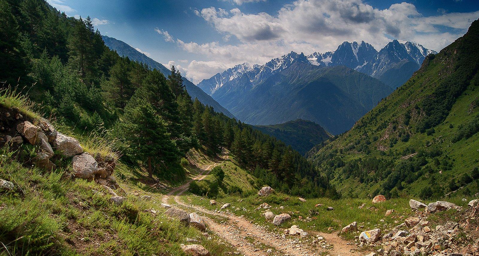 Дорога в долине Кыртыка