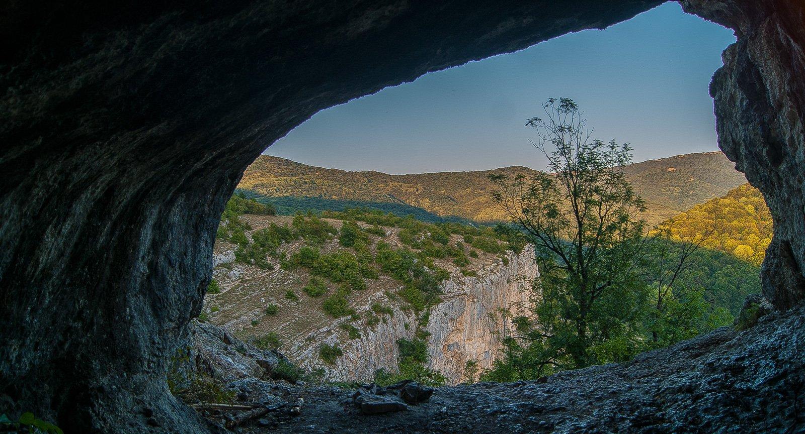 "Вид из пещеры Туара-Коба, она же ""Коровий грот"""