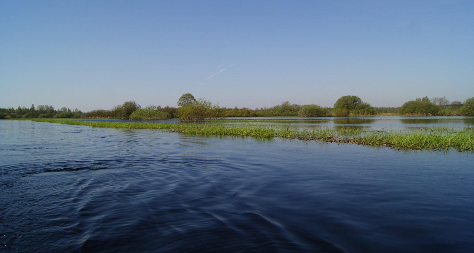 Весной Рессета куда больше подходит на роль дальнего берега моря :-)