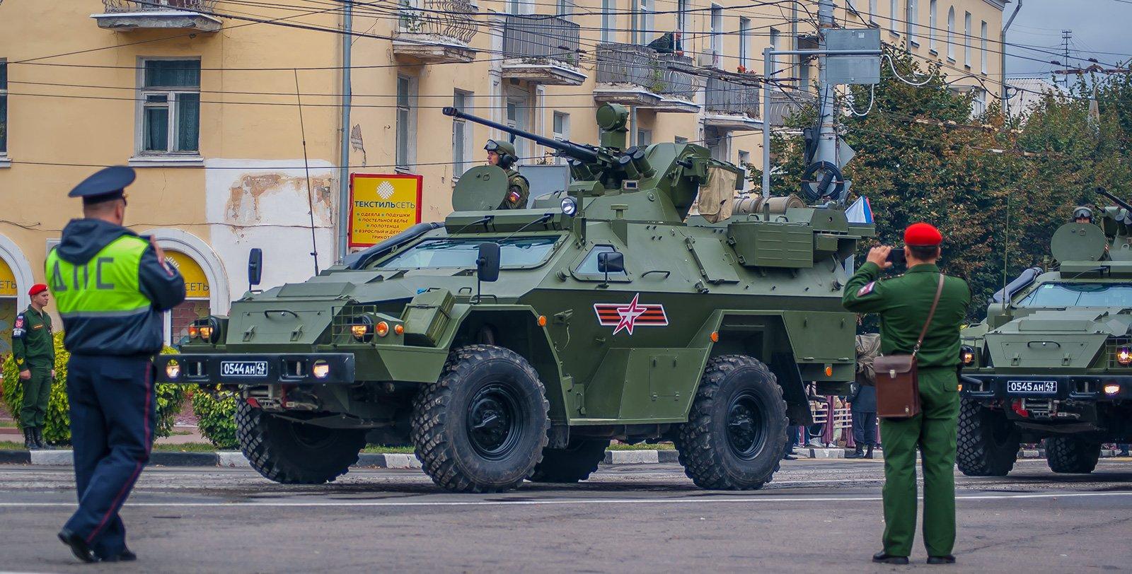 "КамАЗ-43269 ""Выстрел"" с боевым модулем МБ2-03"